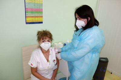 Krompašská nemocnica začala s 3. dávkou očkovania proti COVID-19
